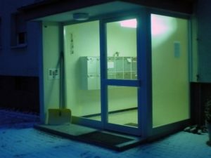 Technical Solutions for entrance doors that open outwards